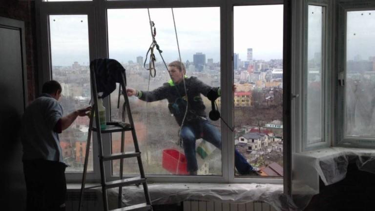 Бізнес-ідея відкриття мийки вікон альпіністами