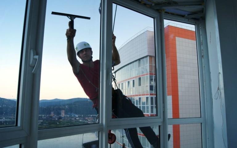 мийки вікон альпіністами