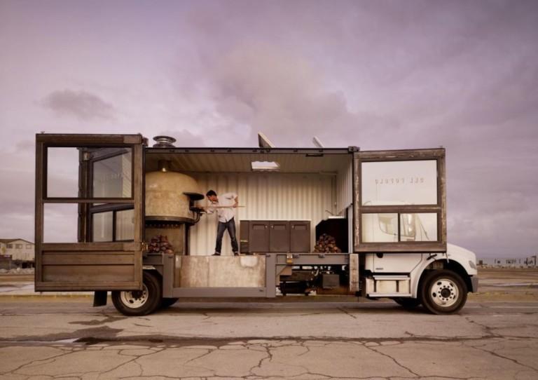 Вуличний заробіток на міні-пекарні