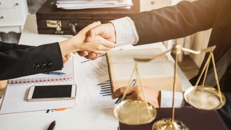 Как грамотно подойти к вопросу выбора юриста